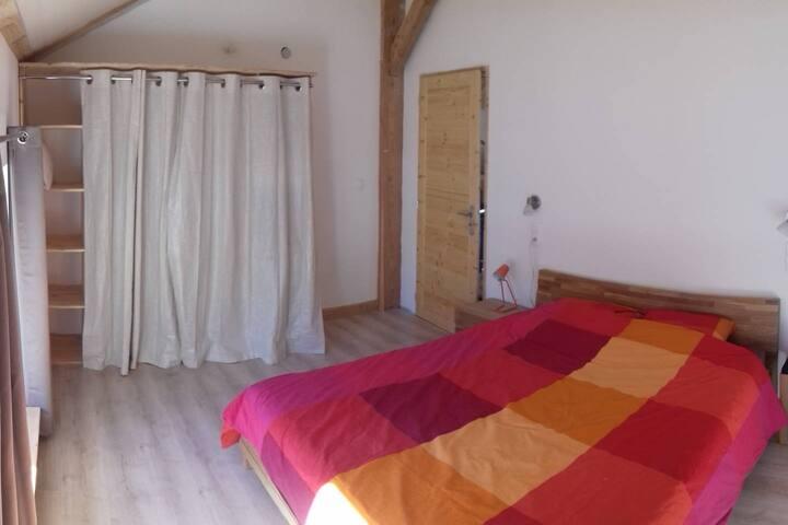Chambre dans maison bois