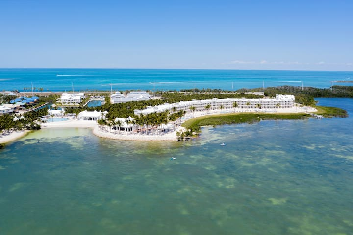Spacious Suite with Ocean View | Snorkel + Jet Ski Florida Keys
