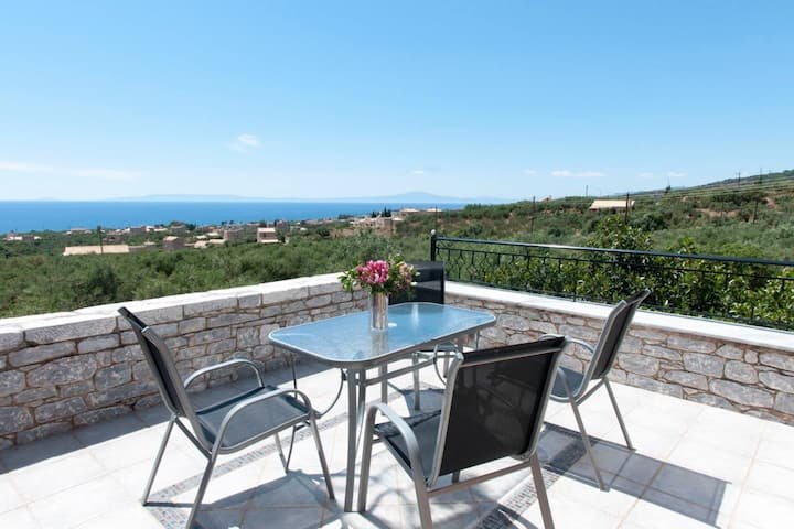 Spacious Villa Stunning Seaview - Perfect Location