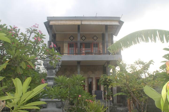 Puri Aries Tulamben Home Stay