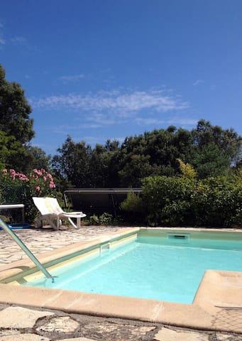 Les Chênes Verts, studio indépendant avec piscine - Saint-Mathieu-de-Tréviers - 公寓