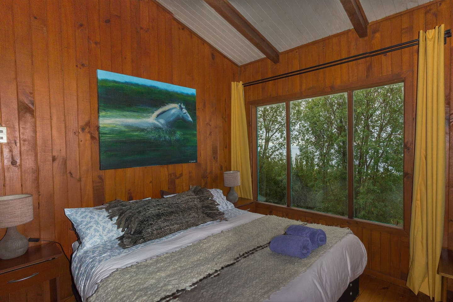 Notro main bedroom, forest, lake and volcano view