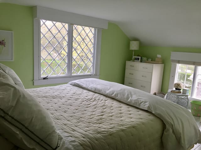 One of four guest rooms (2 bedrooms have king-sized beds)