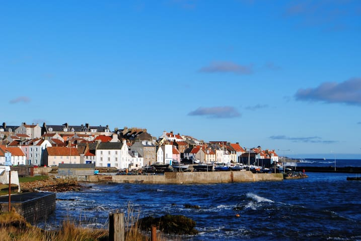 2 bed self catering sea side apartment, St Monans