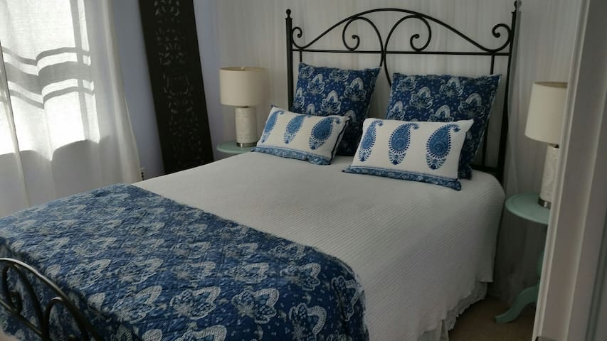 Private 2 Room Suite ** 10 minute walk to beach** - Fort Lauderdale - Talo