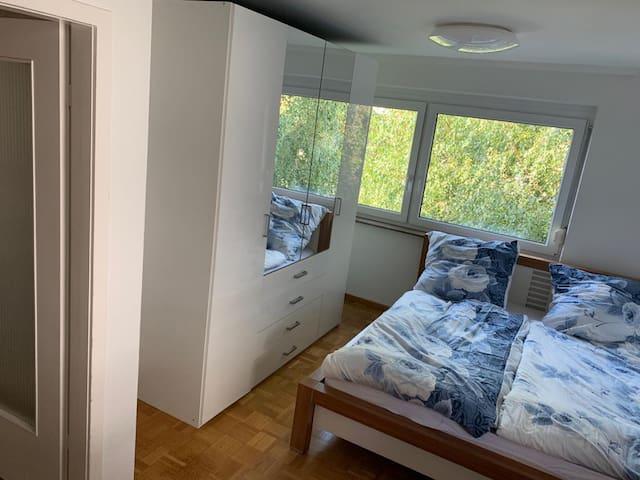 Schönes  Zimmer in Leonberg