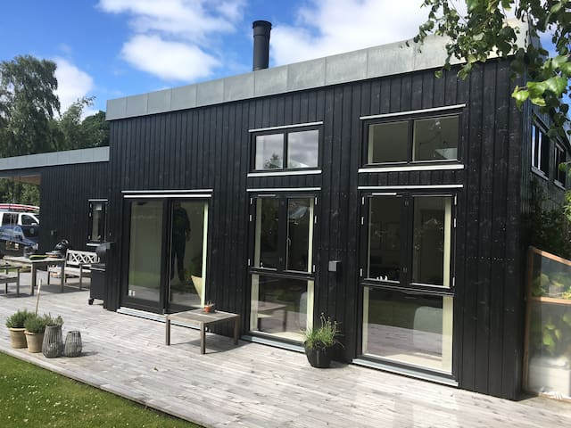 130m2 cosy luxury villa close to the beach. - Egå - Ev