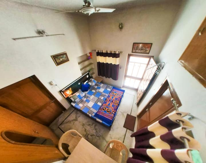 Solanki's House