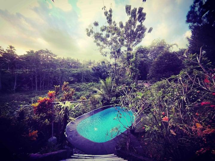 Honey Moon Cottage River View-Riverside Jogja