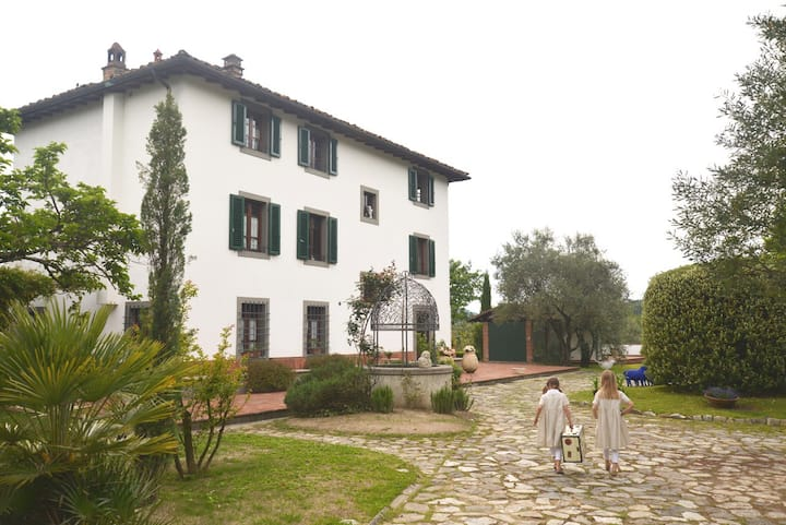 A dream of a villa outside Lucca with Butler ser.