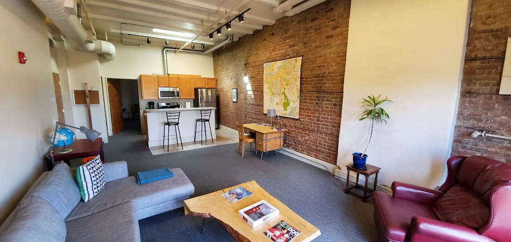 Spacious 1 br Apartment in the Heart of Ohio City