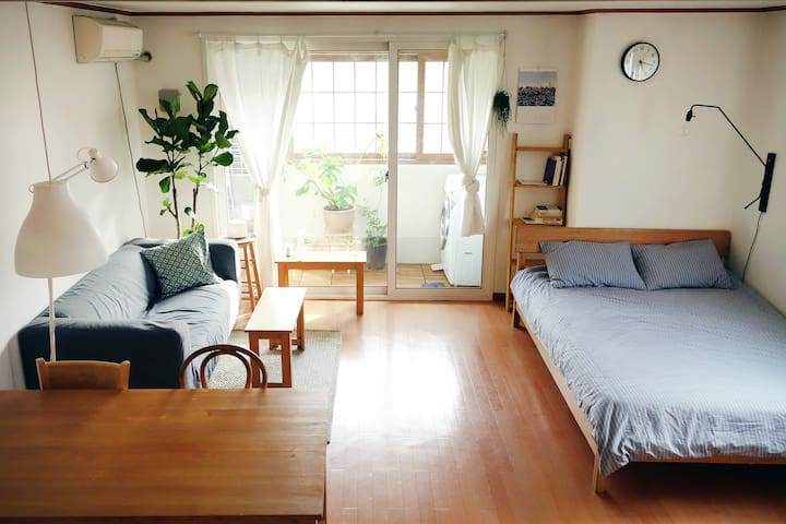 Clean and modern studio with park-view, hongdae