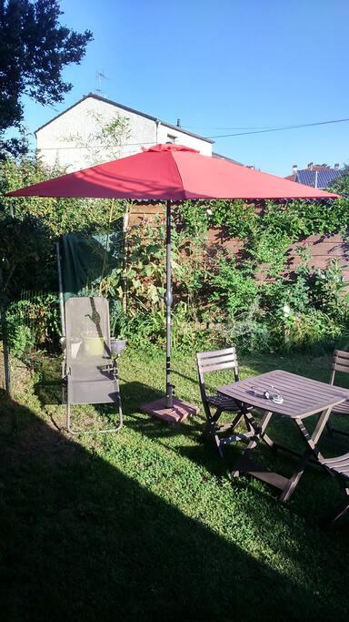 Jardin privatif en été