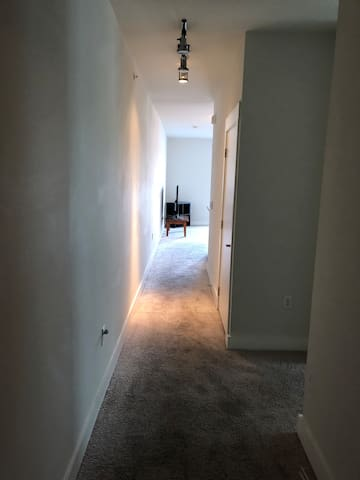 Nice studio apartment minutes from downtown