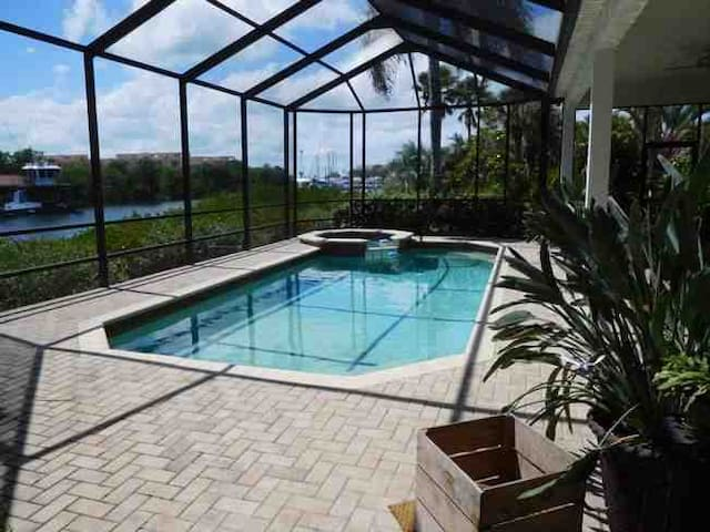 Great big waterfront home located in South Tampa