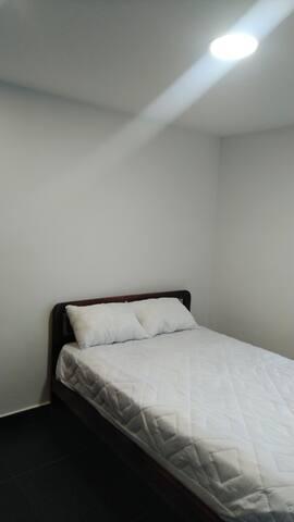 Habitación cama sencilla