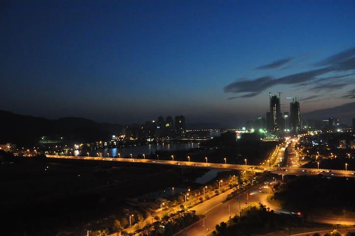 小周家.小居(能看到最美的夕阳、湖景) - Changsha - Appartement