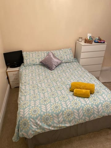 King size Room in the beautiful welsh valleys