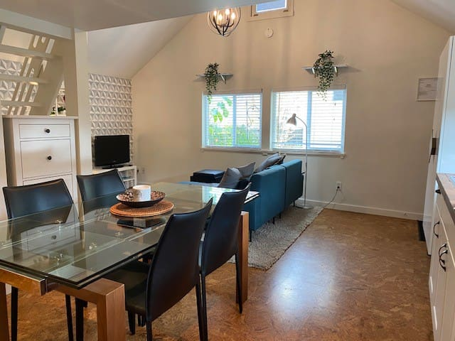 Private, stylish, convenient in East Van