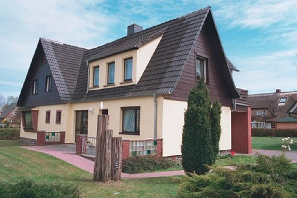 wolf barbara fw 5 wohnungen zur miete in zingst mecklenburg vorpommern deutschland. Black Bedroom Furniture Sets. Home Design Ideas