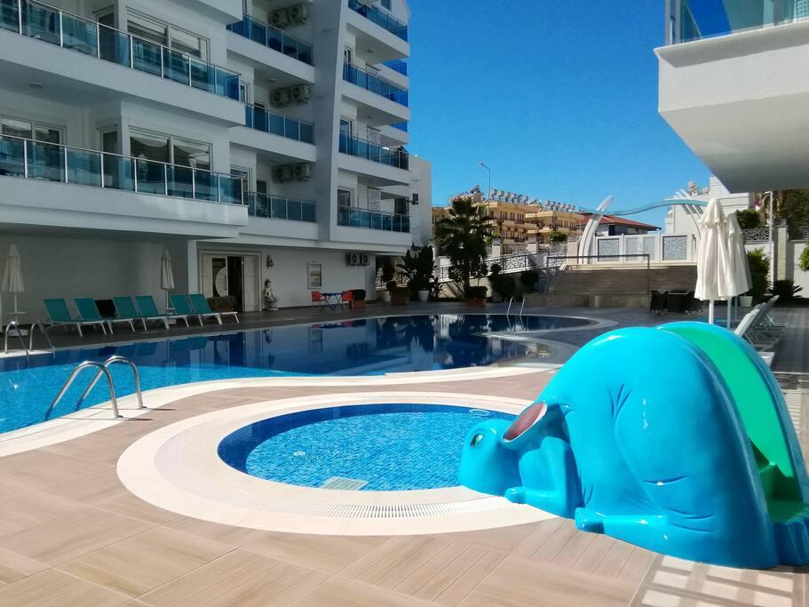 Children's swimpool