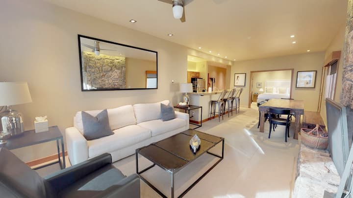 Snowmass Club Villa 1413: Large 2BR + Den Unit