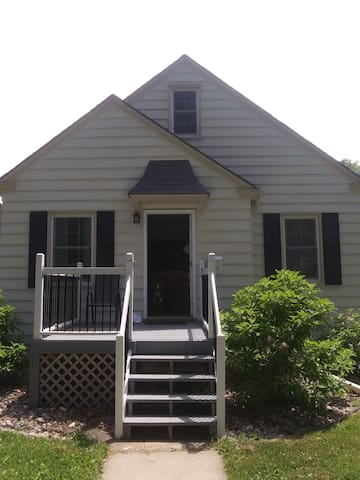 New listing! Very clean, great location. #1Service