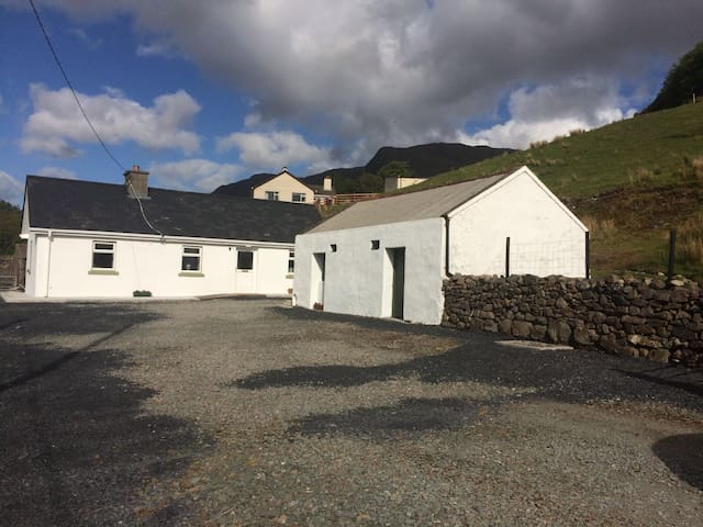 Briongloid House, Leenane, Connemara, 3 bed