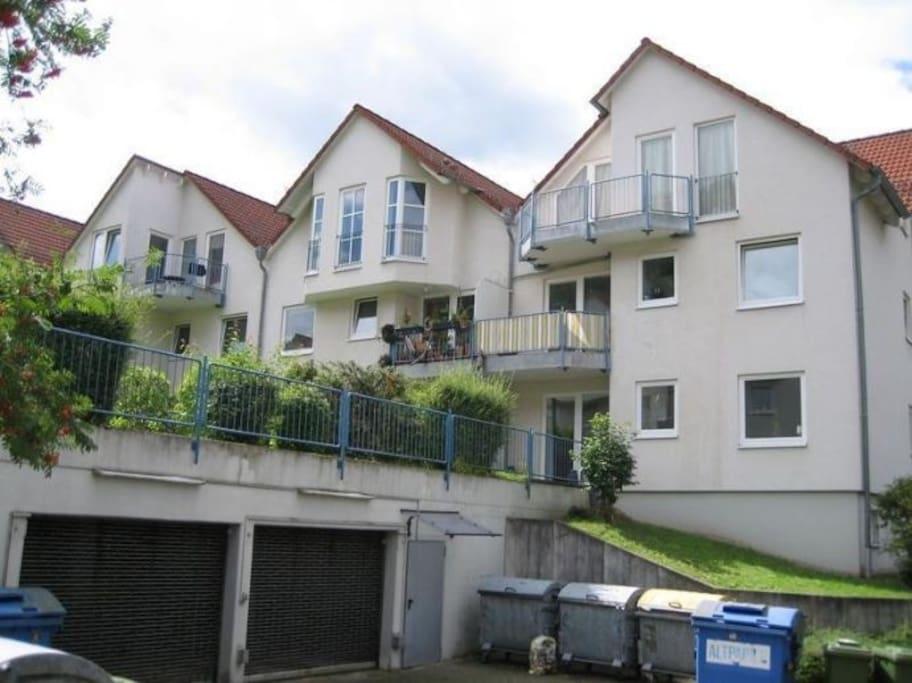2 zimmer wohnung mit terrasse wohnungen zur miete in marburg hessen deutschland. Black Bedroom Furniture Sets. Home Design Ideas