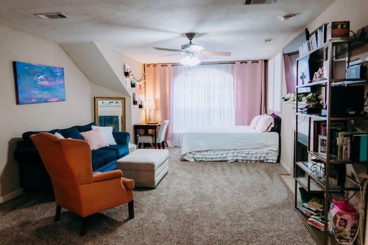 Kid Friendly Third Floor Apartment