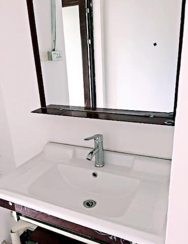 3室2厅2卫 130平米 豪华装修 - Lishui Shi