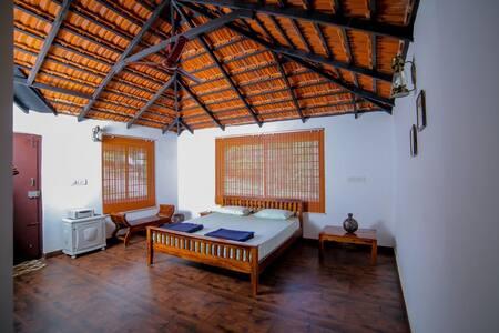 Aadhavana Homestay