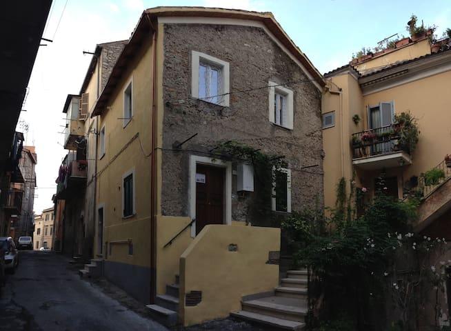 Appartamento nel centro storico di Palmbara Sabina - Palombara Sabina - Lägenhet