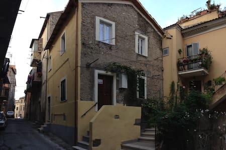 Appartamento nel centro storico di Palmbara Sabina - Palombara Sabina - 公寓
