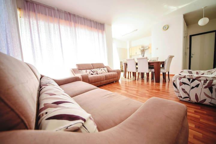 Kireniya   Сomfortable apartment