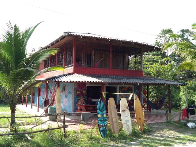 hostal Surf house estilo libre