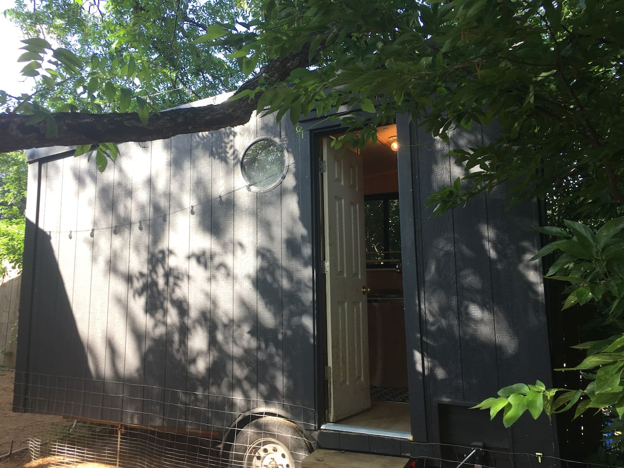 Eastside birchbox tiny house - come and stay!