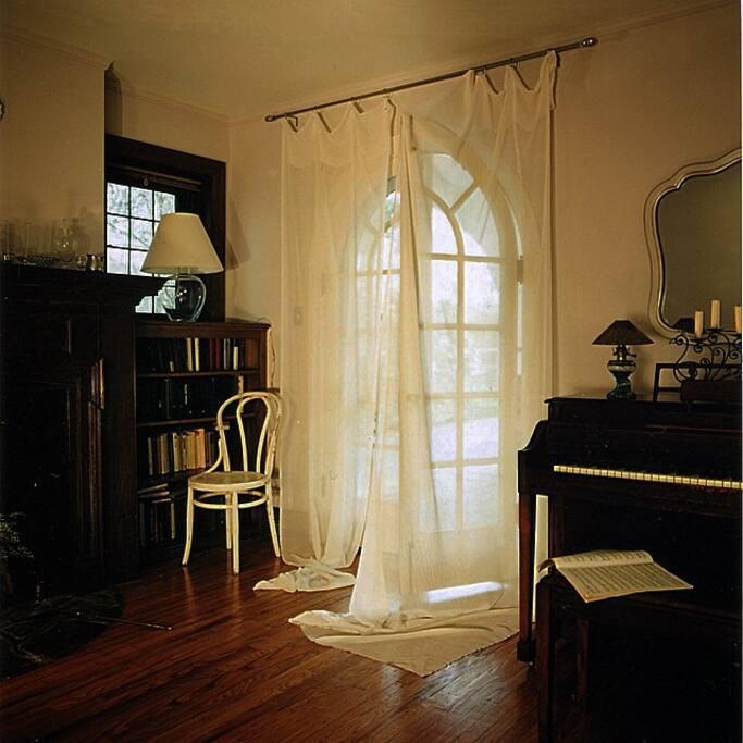 Living room, by OK Design.