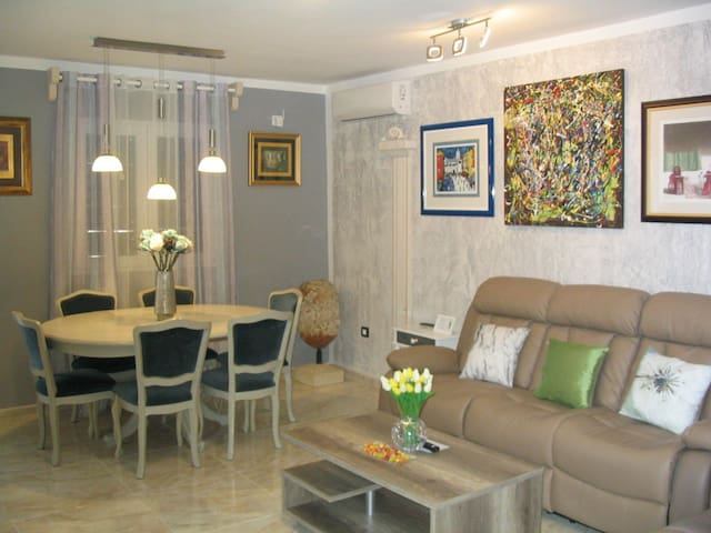 Apartment Amfora with terrace