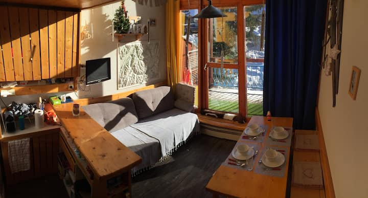 Very nice duplex flat for 5 guests, close to the slopes in Charmettoger village in Arc 1800