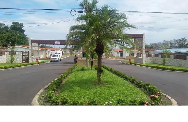 LINDA CASA DE PLAYA