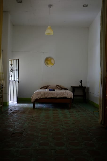 Queen Bed/Cama Matrimonial