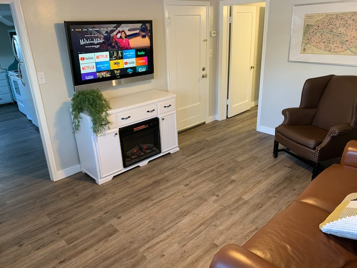 Clean & Cozy Cottage Apartment In Central Logan