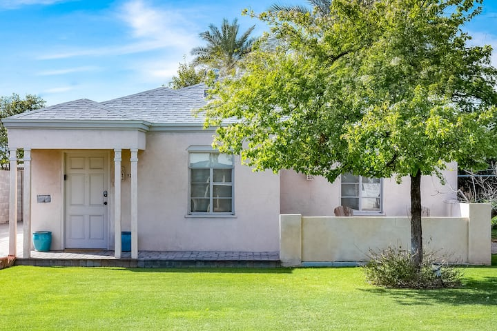 Charming home w/ large yard & sunny patio in a central location