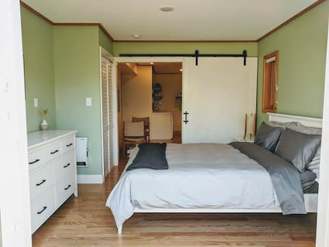 The Serenity Suite - Clean, Beautiful and Light