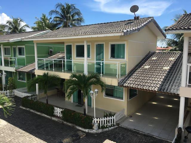 Casa em condomínio em Maria Farinha
