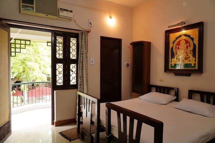 Om Sakthi Dhanam House/Single Bedroom