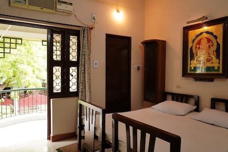 Om Sakthi Dhanam House/Single Bedroom