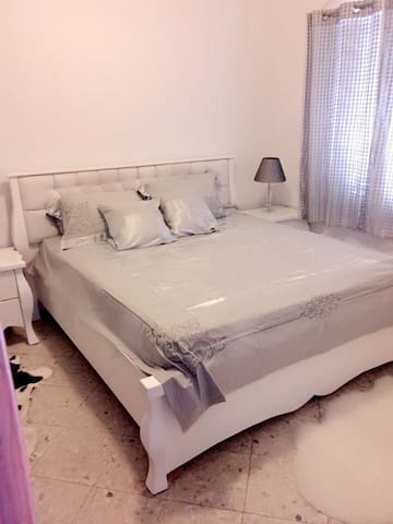 "Two-room suite""Magnolia "" in the villa - Bat Yam - Bed & Breakfast"