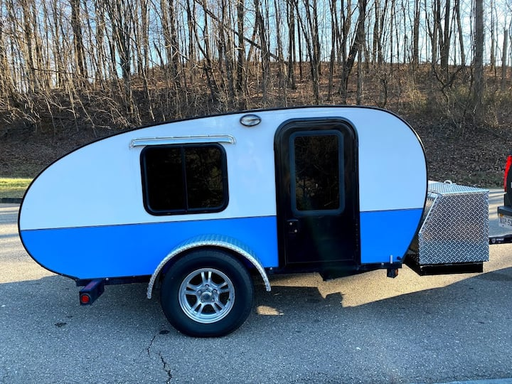 Glamping in Style Teardrop Trailer, HEAT AC & More